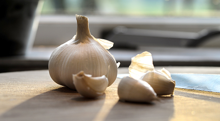 garlic-hypoxi-Immunity-Boosting-superfoods-blog-weighloss-fatburn